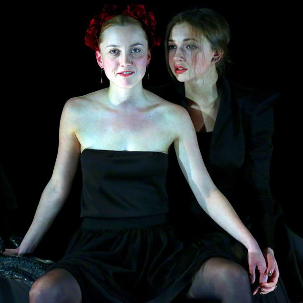 «Я ничего не знаю про театральные традиции»: Кто такая Евгения Сафонова — Театр на The Village