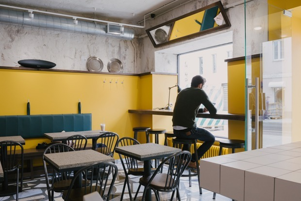 «Дальше будет хуже»: Как сейчас выживают московские кафе и бары — Комментарий на The Village