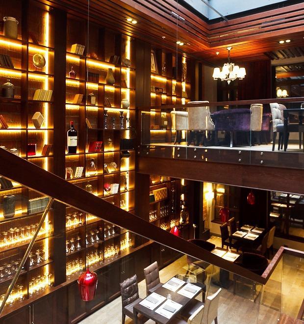 Новое место: PMI bar — Рестораны на The Village
