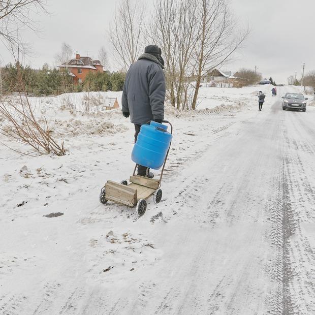 «Прожили 400 лет без воды — значит, еще проживем»: Жители деревни Пыхтино — об отделении от Москвы