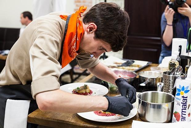 Молодые повара на конкурсе Zuma Kitchen Profi Summer 2017 — Люди в городе на The Village
