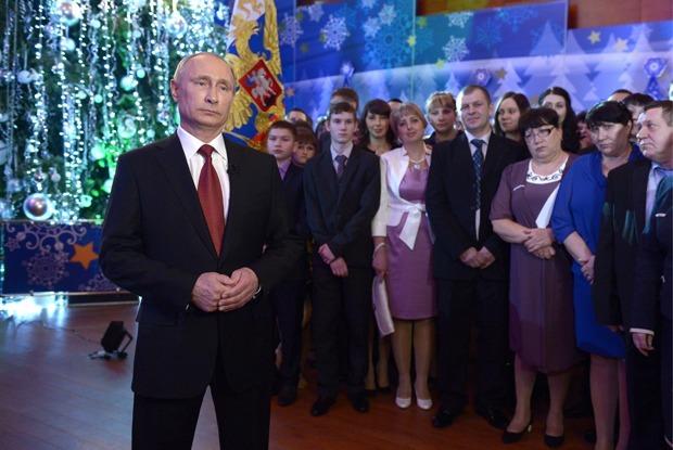От семейных ценностей до терроризма: Как менялись новогодние речи Владимира Путина — Гид The Village на The Village