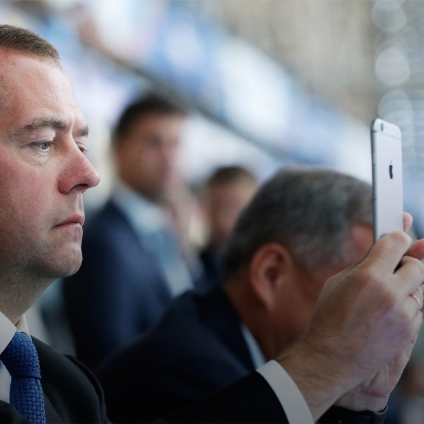 «Индекс айфона»: На сколько уменьшились доходы россиян — Простые числа на The Village