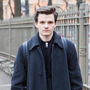 Внешний вид (Петербург): Алексей Громов, художник, арт-директор бара  — Внешний вид на The Village