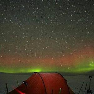 Солнечный ветер. Несколько мест для любителей наблюдать полярное сияние из своего окошка — International living на The Village