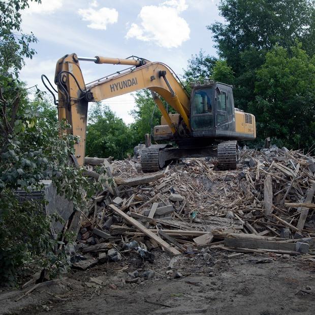 «Дома уничтожают по ночам»  — Фоторепортаж на The Village