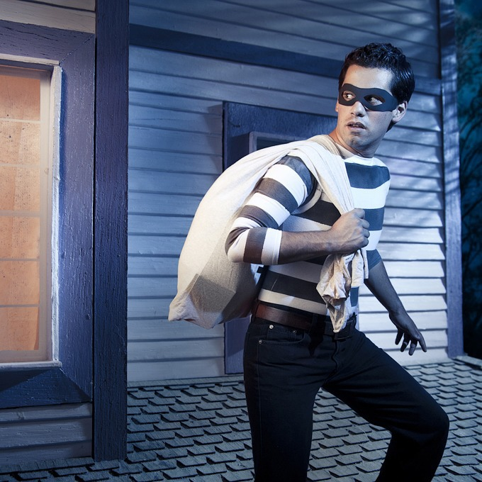 Маски-шоу: 6 костюмированных ограблений магазинов — Облако знаний на The Village