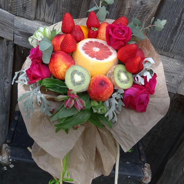 Съедобные  букеты из овощей и фруктов: Где купить в Геленджике — Гид The Village на The Village