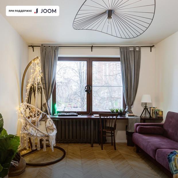 Однушка в Свиблове с кроватью на антресоли и ретродеталями — Квартира недели на The Village