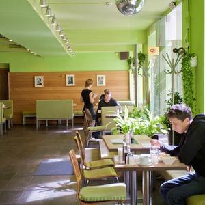 В Петербурге открылось вегетарианское кафе — Рестораны на The Village