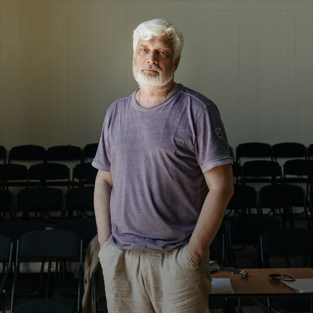 Дмитрий Брусникин — о новом сезоне в «Практике» и депрессии 20-летних — Театр на The Village