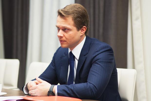 Вице-мэр Максим Ликсутов: «У нас нет задачи заработать на парковке» — Интервью на The Village