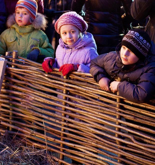 Люди в городе: Рождественская деревня ВВЦ