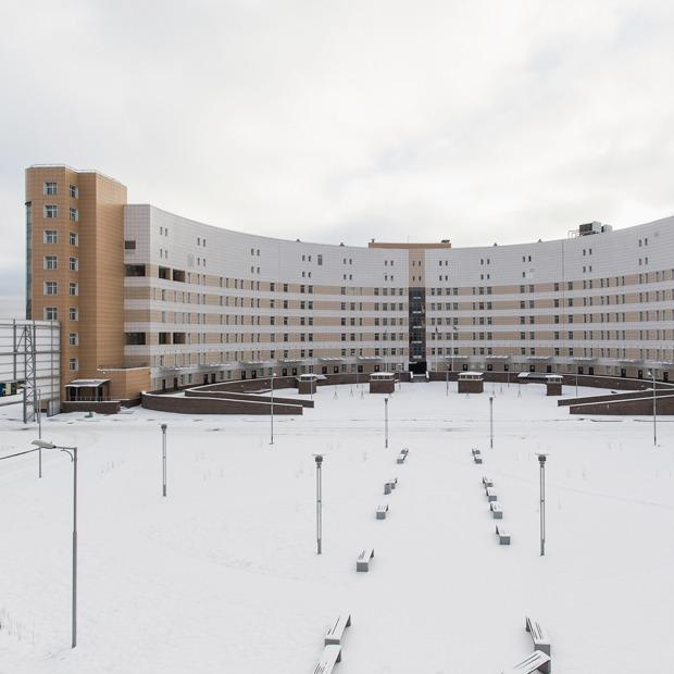 Как выглядит самая большая в России инфекционная больница  — На месте на The Village