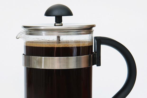 Правильный способ заваривания кофе во френч-прессе — Как надо на The Village