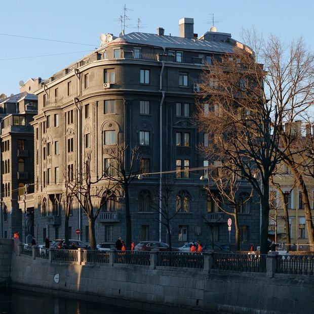 «Я живу в доме ультрамаринового короля» (Петербург) — Где ты живёшь на The Village