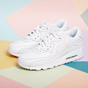 Вещи недели: 8 пар белых кроссовок — Вещи недели на The Village