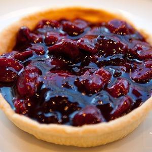 Рецепты шефов: Южный пирог с садовой вишней — Рецепты шефов на The Village