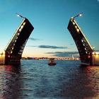 Прогулочным катерам запретят ночные экскурсии по Неве