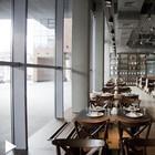 В Месте: Ресторан Black Market