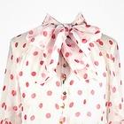 Что надеть: Свитер Raf Simons, винтажное платье Chanel и джинсы Levi's 501