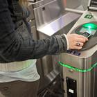 Мобильный вместо проездного: Как использовать телефон в метро