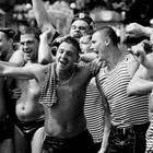 Из-за жары десантникам разрешат купаться в фонтанах