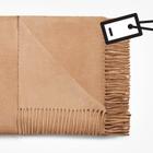 Лучше меньше: Где покупать шарф Acne
