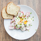 Рецепты шефов: Летний салат с яйцом-пашот