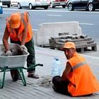 Свежая укладка: как асфальт меняют на плитку в Москве