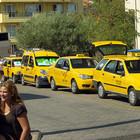 На железнодорожных вокзалах появились стоянки для легальных такси