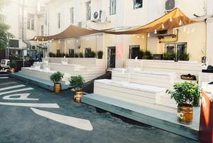 M Terrace, «Стой и свети» и 10-я Brasserie Lambic