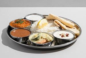 Лимонады «Городские напитки», индийская еда «Осторожно, слон!» и пицца Zotman