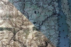 Карты, ветви, два столба