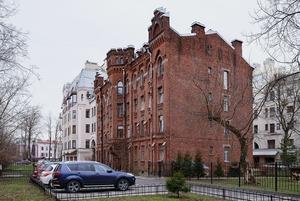 Как в неоготическом доме на Крестовском сделали общественное пространство