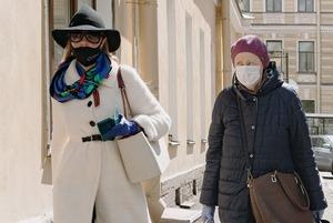 Как в Петербурге наказывают за отсутствие маски и сидение на скамейке: Исследование The Village