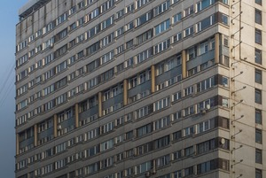 Я живу в доме-пластине на площади Победы (Петербург)