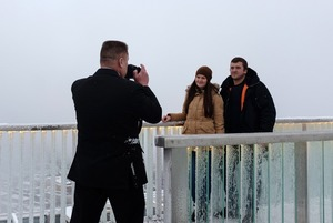 Как выглядит каток на крыше небоскреба в «Москва-Сити»