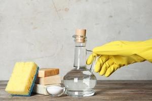Как правильно убирать в квартире во время эпидемии?