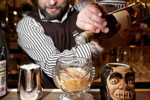 Осторожно, двери закрываются: Что будет с ресторанами, вином, кофе и пивом в 2015 году