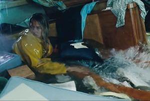 Новая дорожная разметка, британцы без российских виз и трейлер фильма Adrift