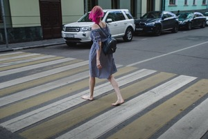 «Я хожу по Москве босиком»