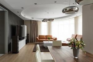 Большая квартира со строгим интерьером в «Парадном квартале» (Петербург)