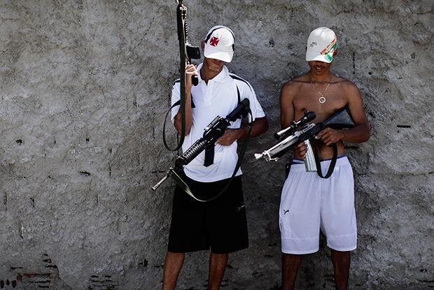 В интересах безопасности: Какие страны разрешают гражданам носить оружие