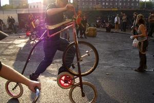 Закрытие велосезона, фестиваль боди-арта и стендап от BadComedian