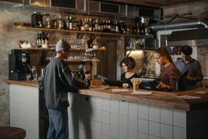 Как «Зинзивер» стал баром, куда ходят все