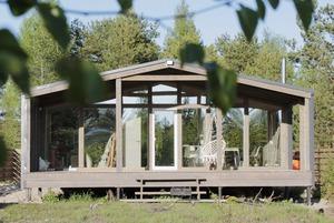 Скандинавский дом, который семейная пара построила своими руками за пять месяцев