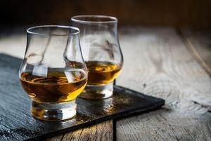 Чем отличаются скотч, бурбон и виски?