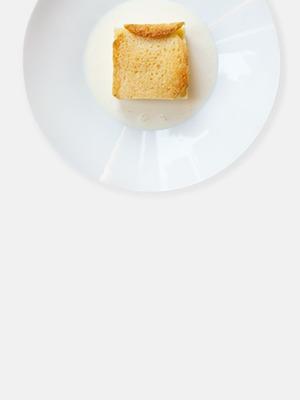 Английский «Хлебный пудинг» с заварным кремом