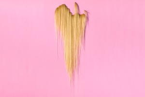 Первый сеанс в Garage Screen, канун Вальпургиевой ночи и выставка «Моя прелесть. Волосы»